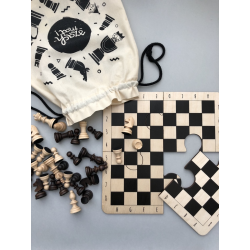 Wooden chess for kids. Travel set / standard version.