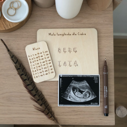 "Wooden plaque ""Dad to be""."